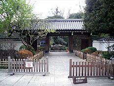 江戸時代の回遊式庭園が残る戸越公園までも徒歩10分圏内です