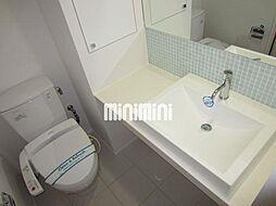 グラン・アベニュー西大須のウォシュレット付きのトイレ、お洒落な洗面台