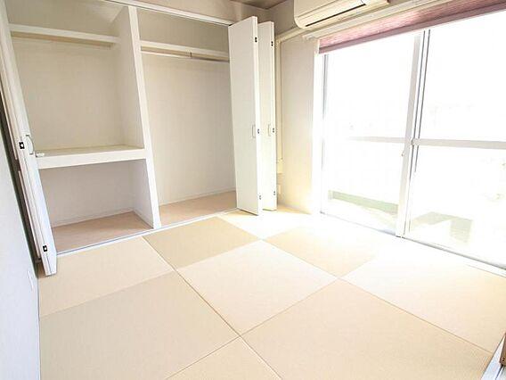 琉球風の畳でモ...