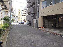 ビル前面道路