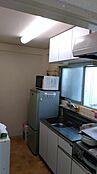 南側に向いた明るいキッチンです。