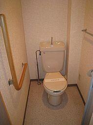 プライマリー大和の温水洗浄便座になってます。