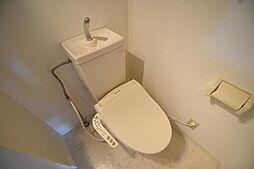 置地マンションのシャワー付トイレ