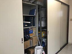 3階廊下収納