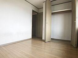 2階北側の洋室は6帖あります