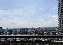 バルコニーからの眺望抜けてます。