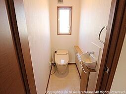 [室内撮影] トイレ/1.2階-標準装備ウォシュレット機能/お手入れ楽々セフィオンテクト仕様。