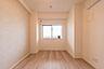 リビング中心のライフスタイルを考えて下さい。お子様部屋は広すぎず狭すぎずの丁度良さが大事です。心地よすぎない広さ。ピッタリの子供部屋,1SDK,面積49.5m2,価格1,899万円,京急本線 横須賀中央駅 徒歩9分,,神奈川県横須賀市小川町