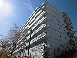 大阪府吹田市千里山星が丘の賃貸マンションの外観