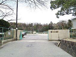 岩津小学校681m
