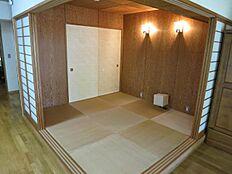 和室約4.5帖は縁なし畳ですのでお洒落な印象です。