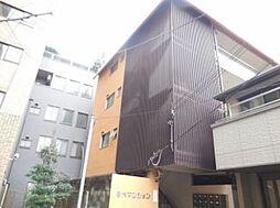 谷六第一マンション[2階]の外観
