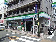 ファミリーマート田中屋西大井店(300m)