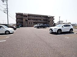 岐阜県美濃加茂市新池町2丁目の賃貸マンションの外観