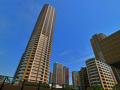 爽やかな青空の下に贅沢なほどに降り注ぐ陽光、豊かな居住性と、クオリティが見事に調和した住空間は、住まうことの喜びを感じさせてくれます。,2LDK,面積59.77m2,価格6,580万円,東急東横線 武蔵小杉駅 徒歩4分,東急東横線 新丸子駅 徒歩10分,神奈川県川崎市中原区小杉町2丁目276-1