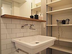 〜洗面台プラン例〜洗面化粧台・可動棚設置、ミラー含む(同一タイプ)工事費35万円(価格に含みません)