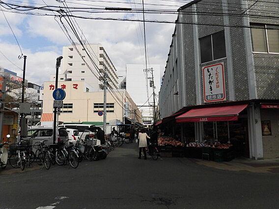 仙台朝市へ徒歩...