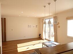 LDKはゆったり約19帖。家具を配置しやすい長方形型です。