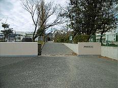 日立市立大久保小学校(805m)