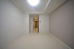 ルフォンプログレ本町WESTの明るい洋室です