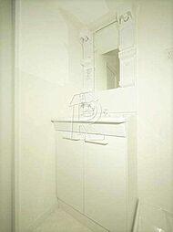 メイソンデグレース天神南の独立洗面台です。