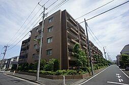 東京都世田谷区宇奈根2丁目の賃貸マンションの外観