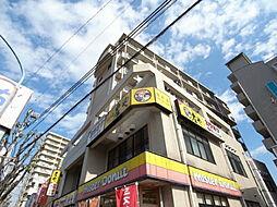 埼玉県坂戸市日の出町の賃貸マンションの外観