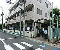 幼稚園富士幼稚園まで896m