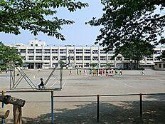 潤徳小学校まで720m