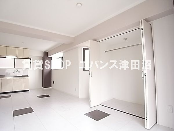 千葉県船橋市前原西6丁目の賃貸マンションの小物を収納するのに便利です