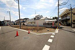 7区画 現地徒歩10分圏内に小学校や保育園、スーパー、公園などがある嬉しいロケーション