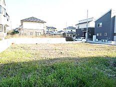 JR常磐線「赤塚」駅が最寄駅です。