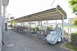 入居者に好評の屋根付き駐輪場。
