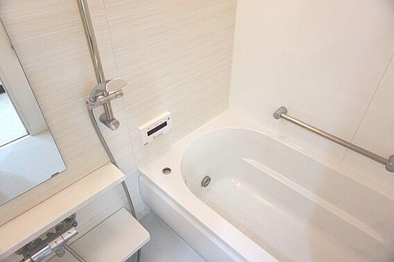 浴室は広々1坪...