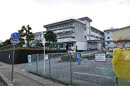 日立市立塙山小学校(982m)