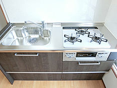 別角度から撮影したキッチン(2)