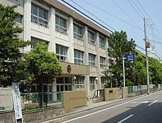 和歌山市立河西中学校まで1123m