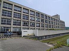 高砂市立竜山中学校まで1902m