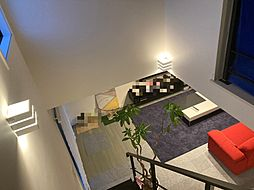 太陽光発電システム住宅ポップな建具で元気の出るお家 3LDKの内装