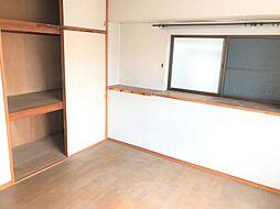 収納スペースがしっかり確保されているのでお部屋をすっきり見せられます。