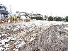 常磐線「赤塚」駅をご利用いただけます。