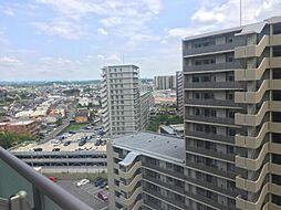 15階建て13階部分でバルコニーからの眺望も良好です