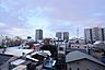 前面に高い建物が無く、気持ちのよい見晴らし。東京スカイツリーが望めます