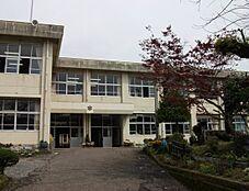 八王子市立川口小学校(892m)