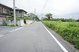 前面道路幅員は約5mになります。