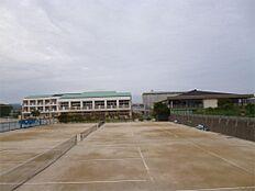 日立市立泉丘中学校(1349m)