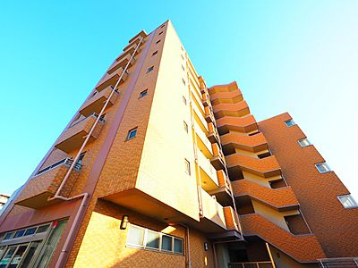 凛とした佇まいと、空へ建ち上がった堂々とした姿が印象的なマンション。その外観すらも一つのステータスです。,3LDK,面積72.31m2,価格3,780万円,JR南武線 西府駅 徒歩5分,京王線 分倍河原駅 徒歩14分,東京都府中市本宿町2丁目
