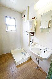 洗面所・風呂にそれぞれ窓があり、換気できます