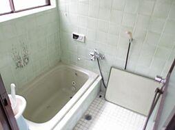 現在リフォーム中 浴室写真です。新品のLIXIL製1坪タイプのシステムバスに交換する予定です。