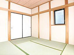 客間としても利用可能な和室。